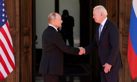 W Genewie rozpoczął się szczyt Biden-Putin