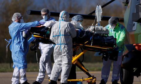 Francja: sytuacja epidemiczna jest krytyczna