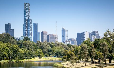 W Melbourne władze znoszą kwarantannę