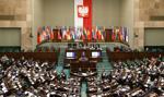 PiS za projektem noweli o wykonywaniu mandatu posła i senatora; opozycja - przeciw