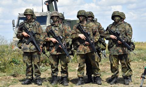 Niemcy już w lipcu chcą wycofać swoich żołnierzy z Afganistanu