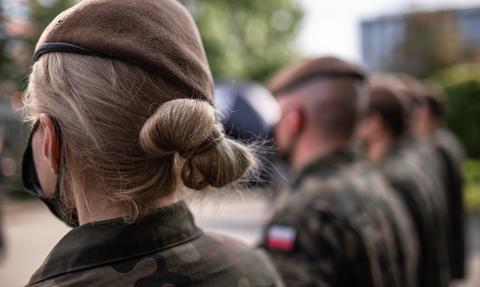 Statystyczny kandydat do polskiej armii ma 28 lat