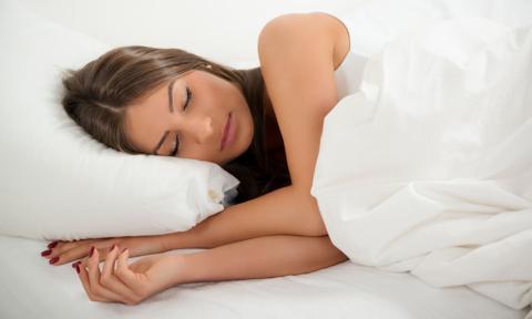 Ekonomista: Dodatkowa godzina snu niekoniecznie wpływa na naszą efektywność