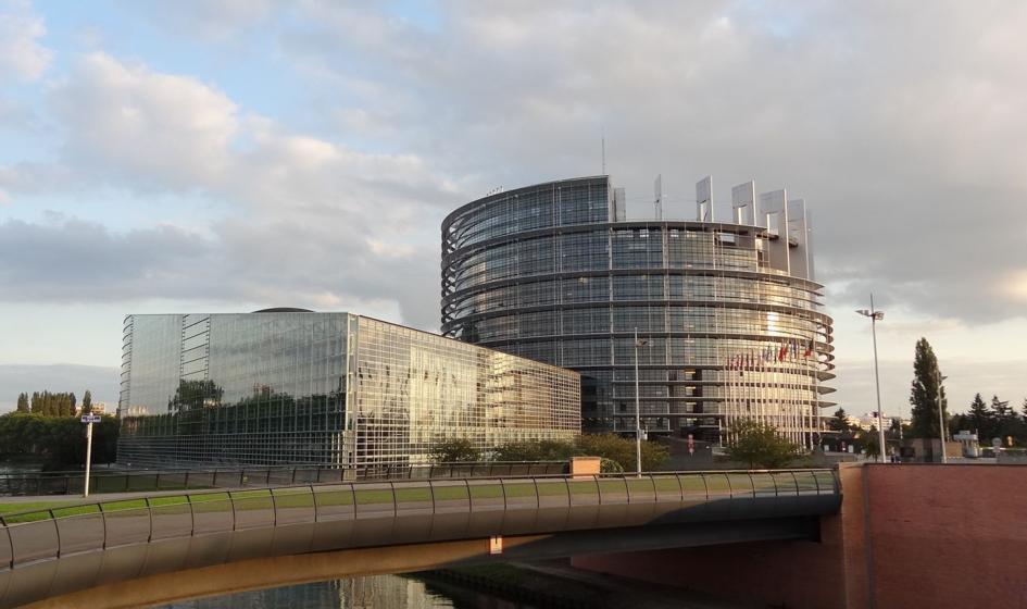 PE chce stałego systemu kontrolowania praworządności w krajach Unii