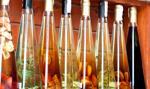 Minister rolnictwa chce legalizacji produkcji nalewek, okowit i destylatu