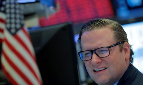 Polityka wkracza na Wall Street