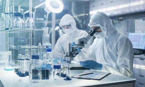 Na świecie prowadzone są prace nad 272 szczepionkami przeciwko COVID-19