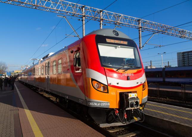 Pierwsze pociągi Superregio wyjadą na tory w czerwcu