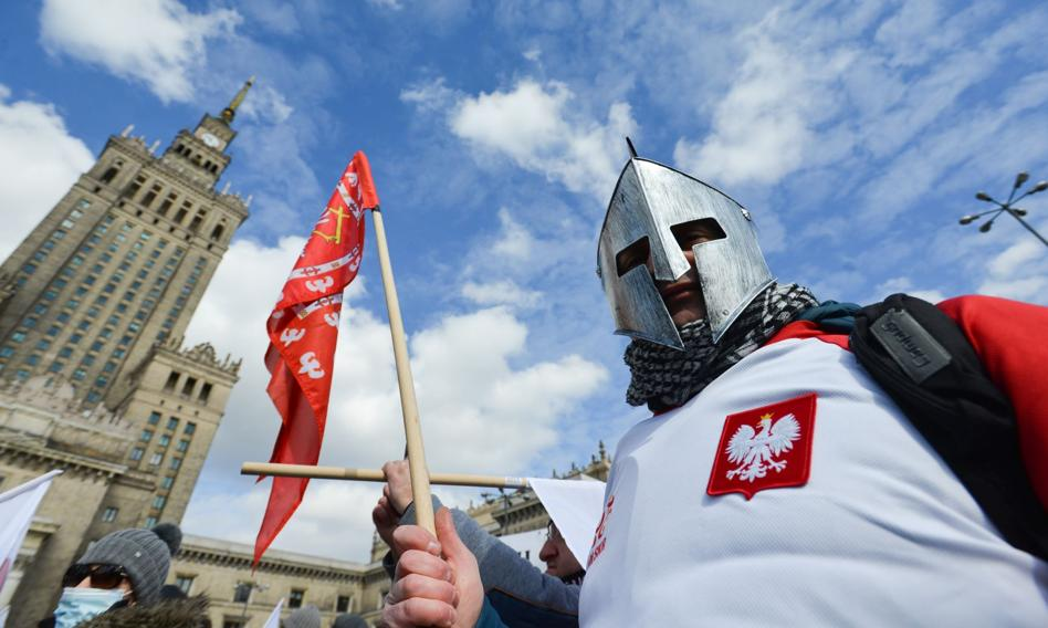 Polskie płace w pogoni za warszawskimi. Różnica wciąż duża