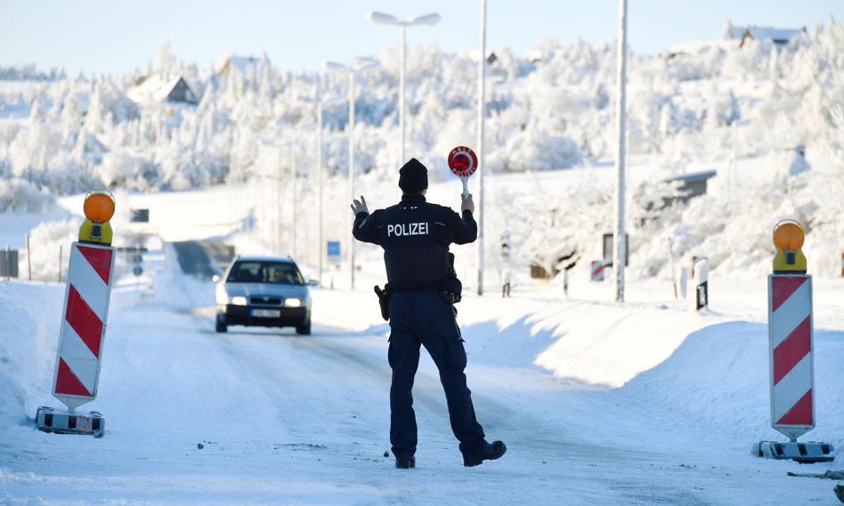 Niemcy przedłużą kontrole na granicach z Czechami i Tyrolem