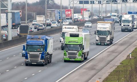 Wielka Brytania złagodzi restrykcje w pracy zagranicznych kierowców ciężarówek