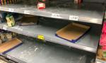 Brytyjczycy też rzucili się na sklepy