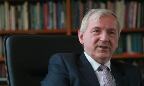 Prof. Gomułka: Perspektywa powrotu normalności w gospodarce się odsuwa. Odbicie najwcześniej w połowie przyszłego roku