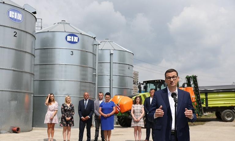 Wielki program rozwoju wsi w Polskim Ładzie. Rząd wspomoże rolników m.in. większymi dopłatami do paliwa