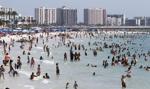 Na Florydzie gubernator zniósł ograniczenia na bary i restauracje