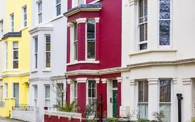 Brexit zuboży brytyjskie gospodarstwo domowe o 1250 funtów rocznie
