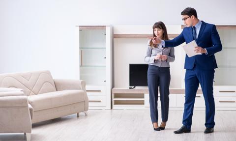 Umowa z pośrednikiem nieruchomości. Oto pięć istotnych kwestii