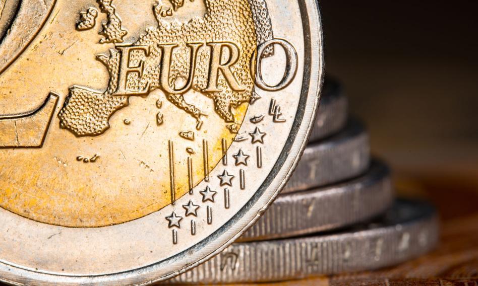 Kurs euro stabilny. Funt pozostaje mocny