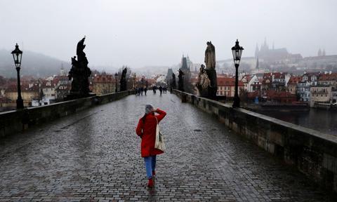 Gwałtowny wzrost zakażeń w Czechach. Nowy stan wyjątkowy i nowe ograniczenia