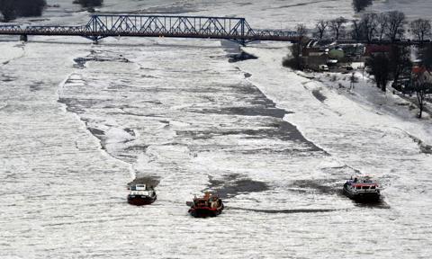 Wody Polskie przygotowują się do akcji lodołamania na Wiśle