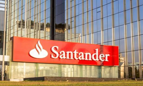 Atakują przez telefon - ostrzega Santander. Możesz stracić pieniądze