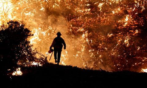 Kalifornijski pożar Alisal rozszerzył się na obszar 3240 hektarów