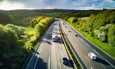 Ograniczenie prędkości na autostradach tematem rozmów koalicyjnych w Niemczech. SPD za bezpieczeństwem