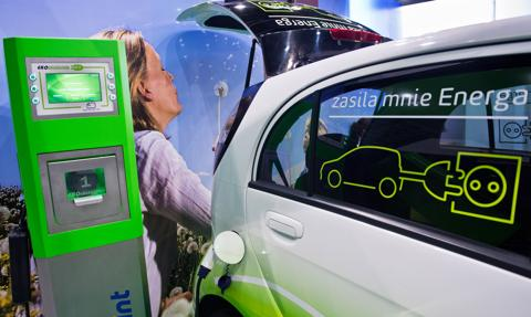 6 tys. punktów ładowania samochodów elektrycznych do końca 2020 r.