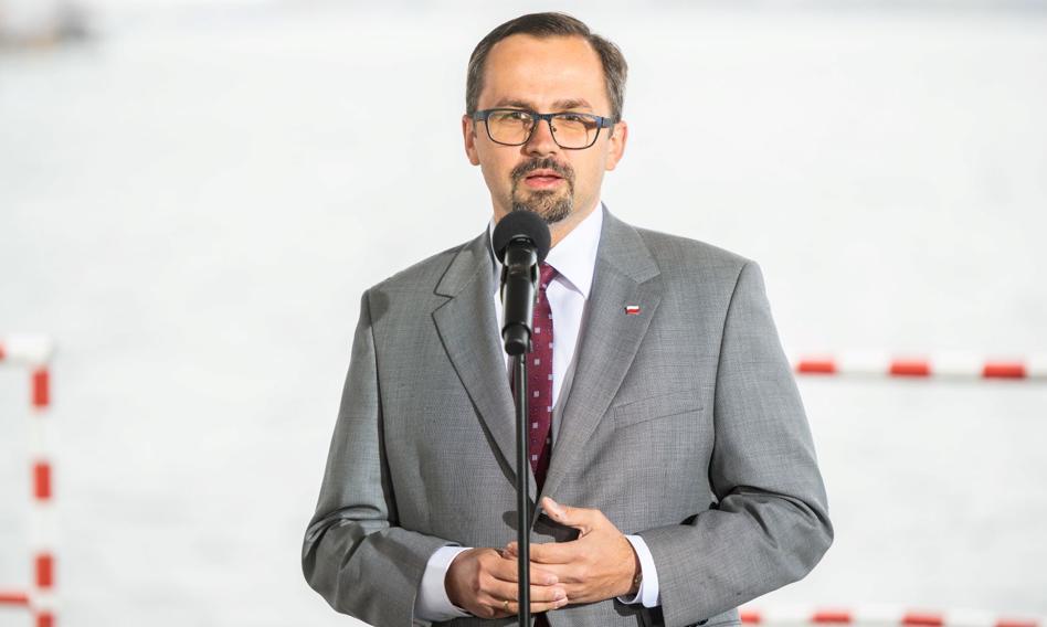 Horała: W najbliższym czasie nie będzie ograniczeń lotów ze strefą Schengen