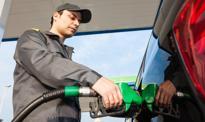 Obniżki cen paliw w bardzo oszczędnych dawkach