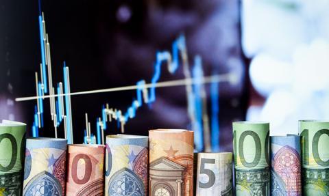 Kurs euro wraca nad 4,54 zł