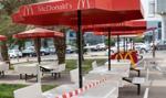 Emilewicz: Trwa dyskusja nad zamknięciem barów i restauracji