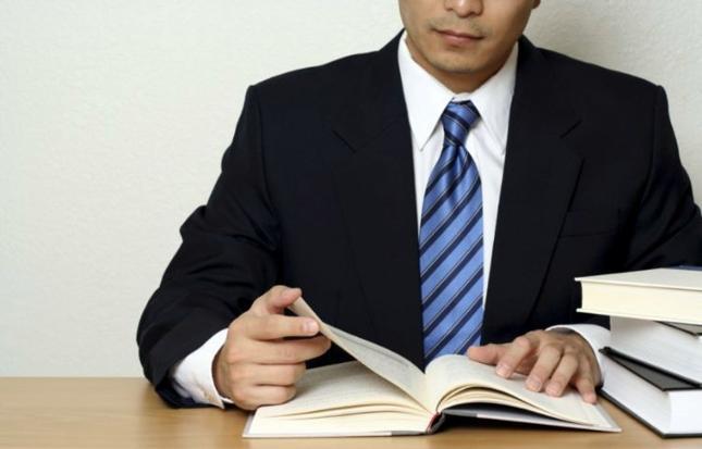 Doradca kredytowy i pośrednik kredytowy. Czym się różnią?