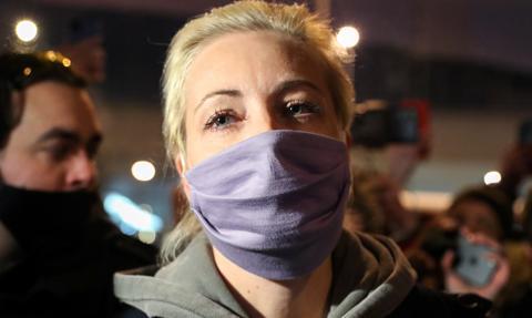 Media: Julia Nawalna zwolniona z komisariatu policji. Trwają protesty w Rosji
