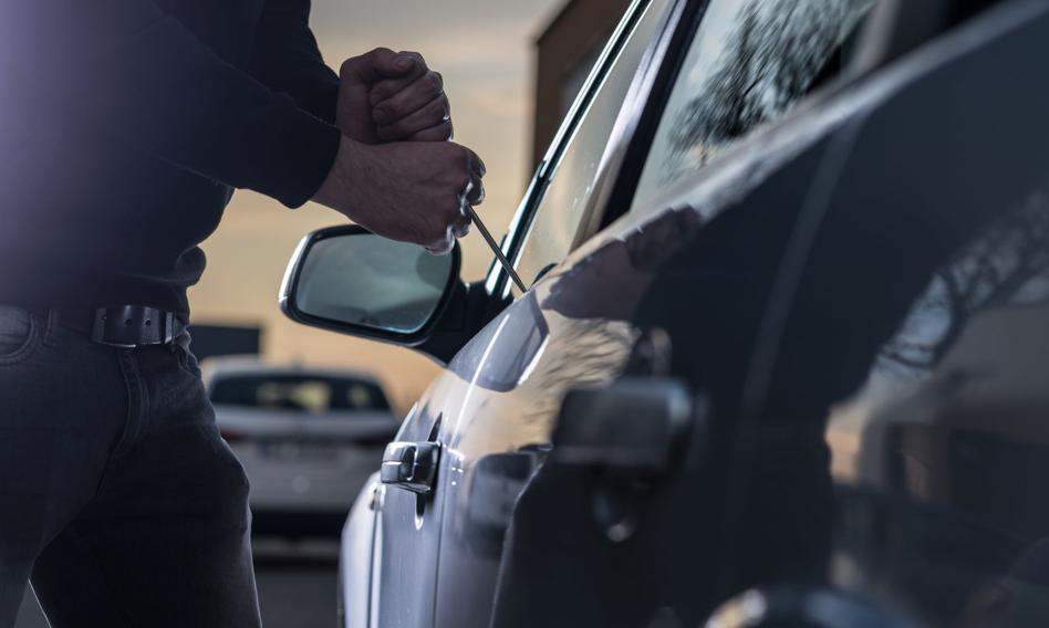 """Policja zatrzymała """"Lalę"""" - legendę wśród złodziei samochodowych"""
