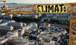 Aktywiści Greenpeace powiesili baner na dźwigu przy katedrze Notre-Dame