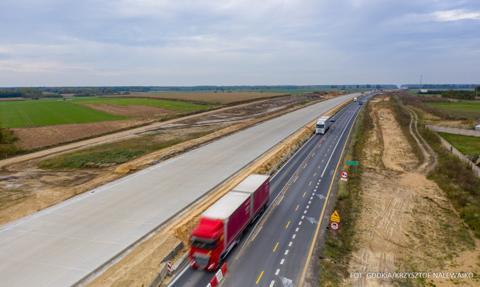 GDDKiA oddaje kolejny fragment nowej jezdni A1 między Częstochową a Radomskiem