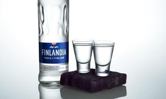 Finowie piją najdroższy alkohol w UE. Polska w końcówce stawki