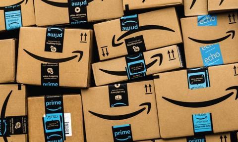 Amazon zablokował ponad 10 mld ofert sprzedaży podrobionych towarów