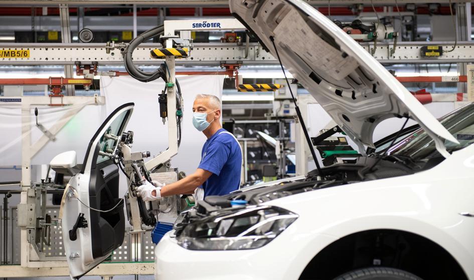 PMI: polski przemysł stoi w blokach startowych