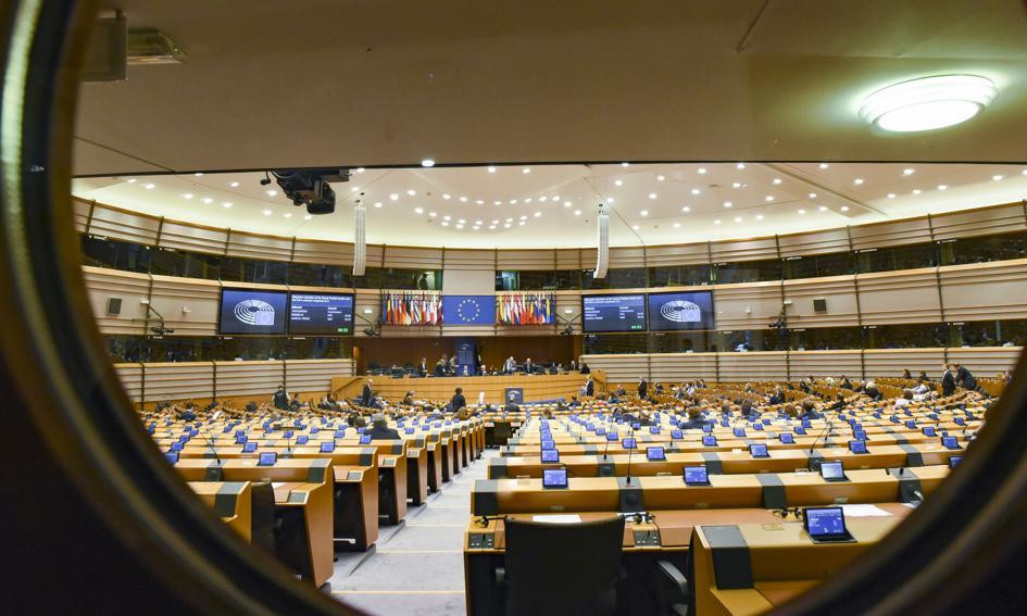 W europarlamencie burzliwa debata na temat węgierskiej ustawy dot. homoseksualizmu i ochrony dzieci