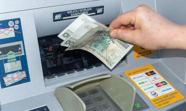 """""""Banki są przygotowane do sytuacji nietypowych - mają gotowe procedury awaryjne i rezerwowe, również w zakresie zaopatrzenia bankomatów w gotówkę"""""""