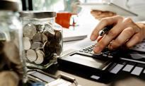 Firmy nie muszą zmniejszać pensji, by otrzymać dopłatę do wynagrodzeń pracowników