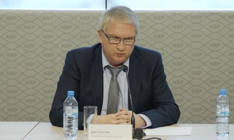 Łon z RPP: Możliwe utrzymanie stóp procentowych na obecnym poziomie także przez część 2022 roku