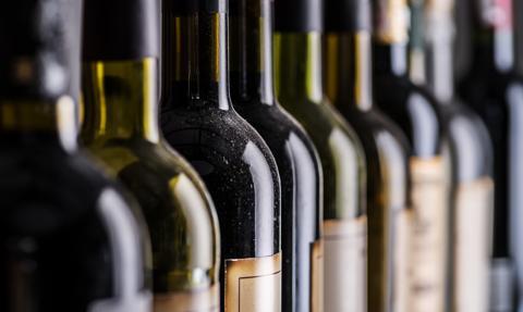 Linie lotnicze będą sprzedawały niewykorzystane wino z dostawą do domu