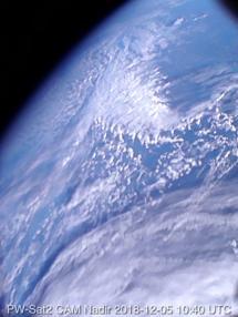 Pierwsze zdjęcie Ziemi wykonane przez satelitę PW-Sat2 5 grudnia 2018 ok. 10:40 UTC nad Europą (CC-BY-SA 4.0)