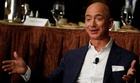 Jeff Bezos i jego brat dołączą do zwycięzcy aukcji lotu w kosmos