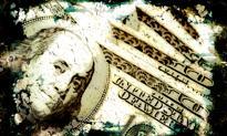 """""""Spekuła"""" gra przeciwko dolarowi"""