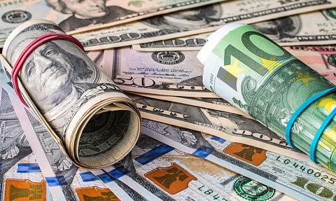 """""""Franki"""" bez rozstrzygnięcia. Kurs euro pozostaje stabilny"""