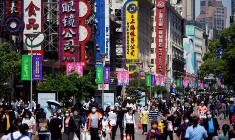 """""""Wybuchowe ożywienie"""" turystyki i konsumpcji w Chinach"""